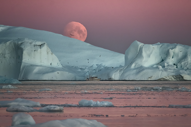 011 Greenland midnight sun - 5 Tricks to Make Your Landscape Photos Stand Out