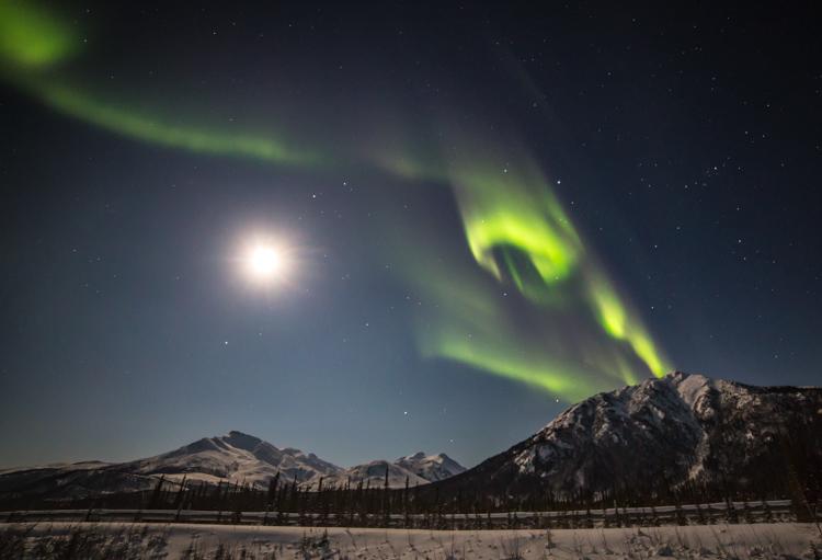了解光圈和风景摄影-为什么F16不是唯一的选择-夜空极光