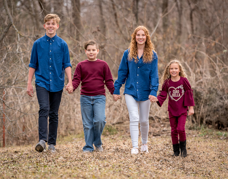 Tips for Client Photo Sessions - What it's NOT All About - family photo siblings