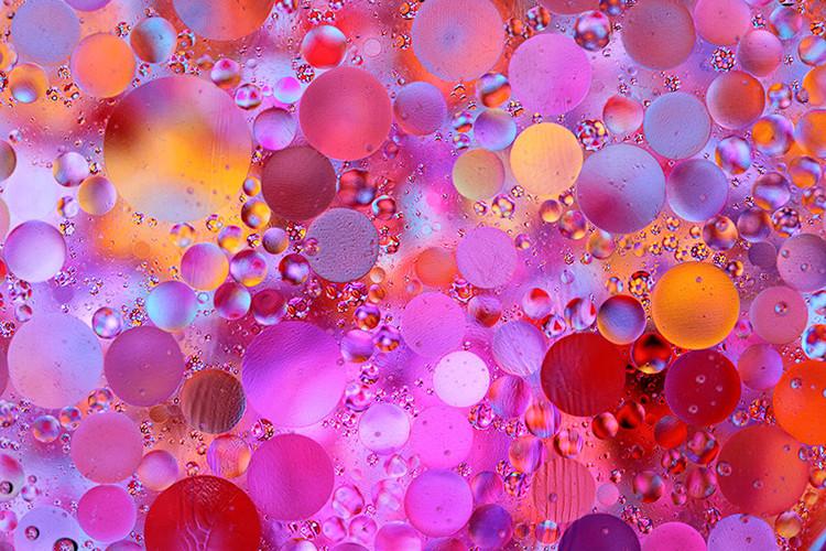 Image: Large oil droplets.