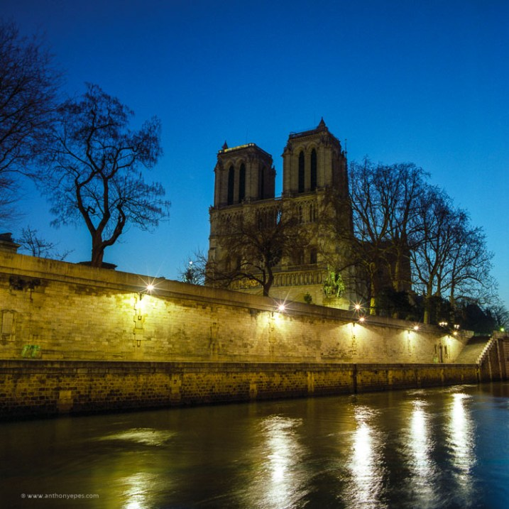 night shot in Paris - How to overcome your technical or artistic shortcomings and improve your photography