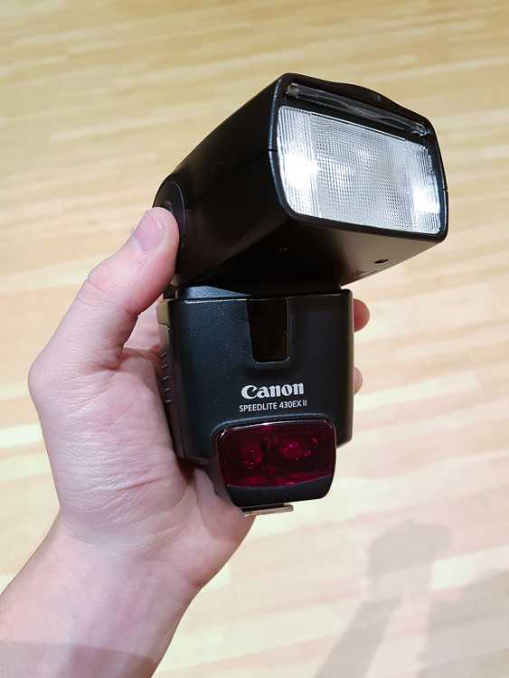 Image: Get a flash that can both rotate (swivel) and tilt (up and down) in order to do bounce flash.