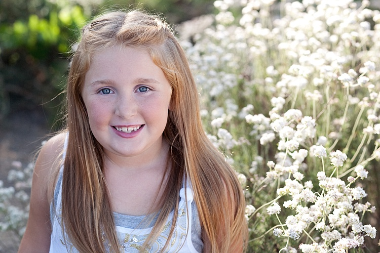How to Find and Use Natural Light Reflectors for Portraits