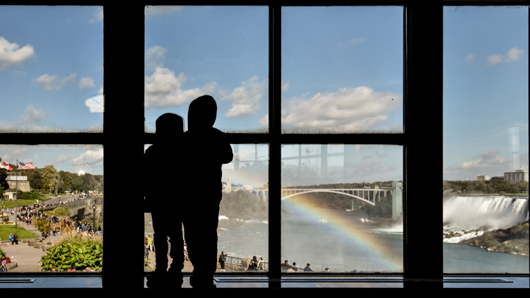 Photographing Niagara Falls - How to Photograph Your Family Vacation