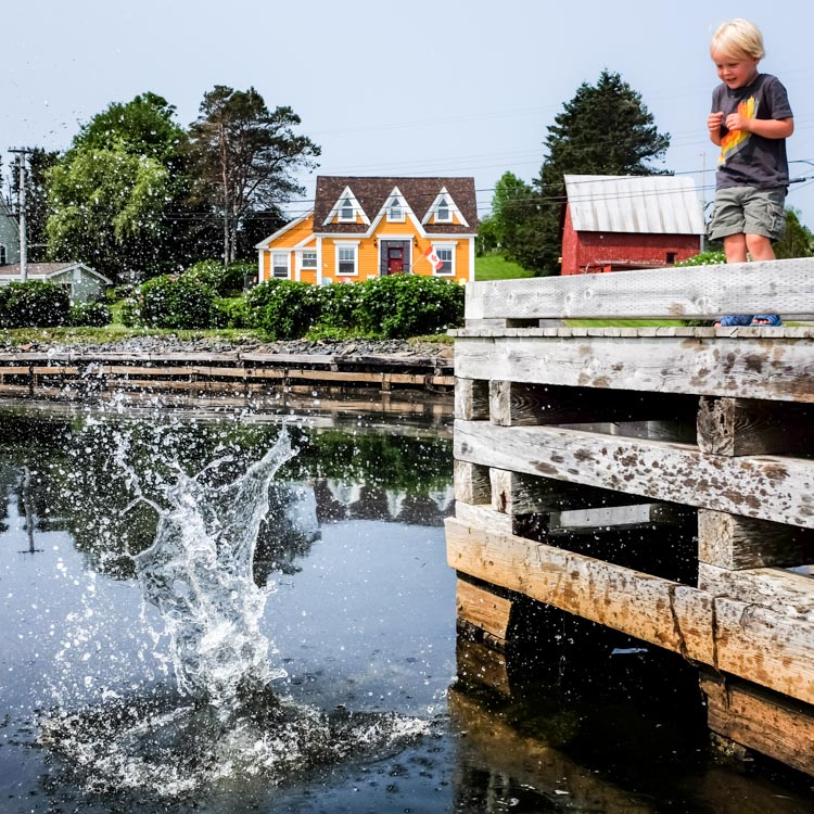 Colorful East Coast homes. How to Photograph Your Family Vacation
