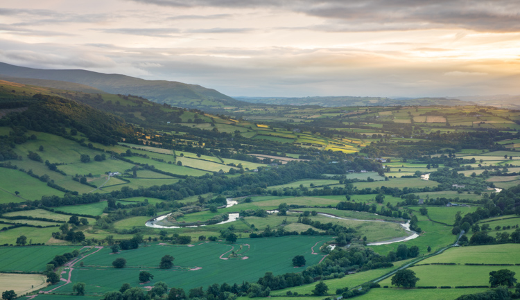 5 Landscape Photography Mistakes That Keep Your Images From Standing Out - HDR of Brecon Beacons