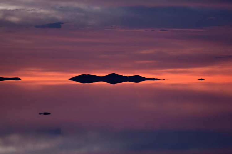 sunrise reflection - Tips for Shooting Landscapes With a Telephoto Lens