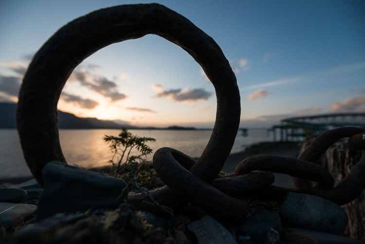 Review of the Sigma 14-24mm F2.8 Art Lens - sunset through a metal ring