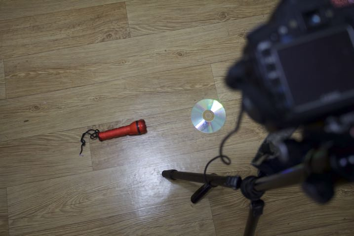 How to Make and Photograph Rainbow Water Droplets on a CD - camera setup