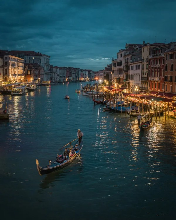 What Makes Great Photos? 5 Factors That Can Take Your Images From Good to Great - canal in Venice with one gondola
