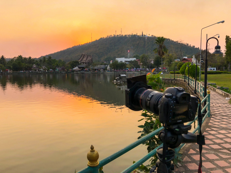 7 Reasons Why a Tripod is Must for Outdoor Photographers - sunset shot, camera on a tripod