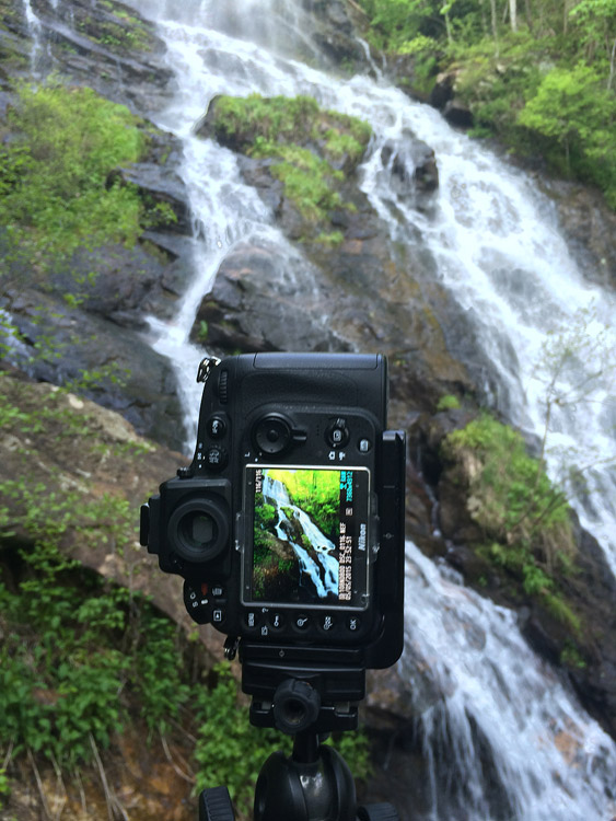 L-Plate Bracket for Landscape Photography - camera mounted vertically using an l-plate