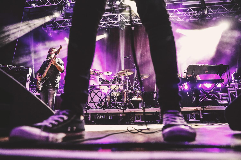 band between legs - 11 Ideas for More Unique Concert Photos
