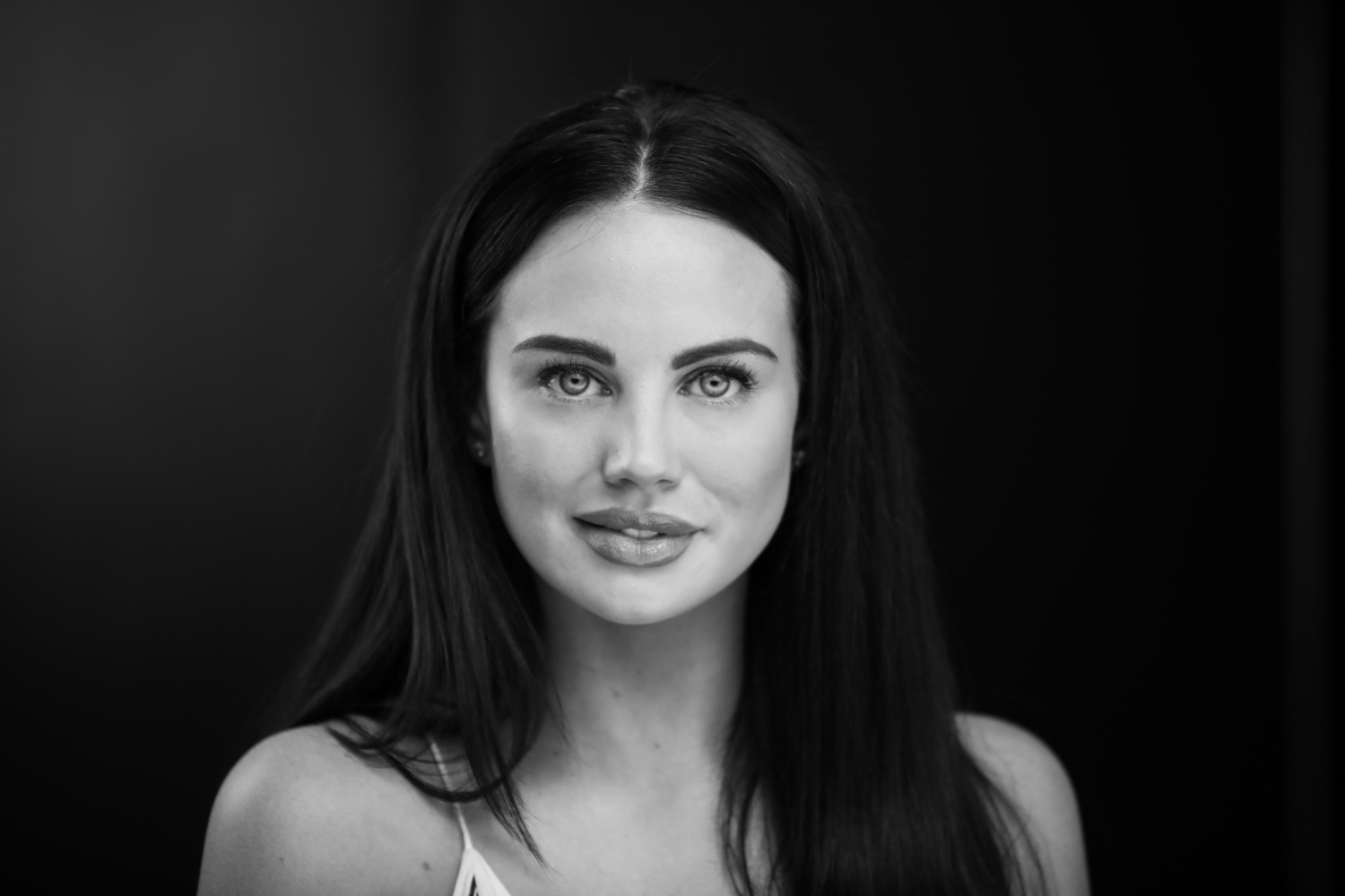 Review of the Westcott Eyelighter for Headshots and Portraits - dramatic b/w portrait
