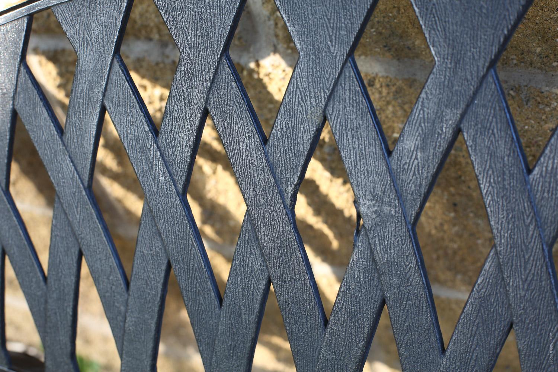 fence design - Mobile Phones Versus DSLRs