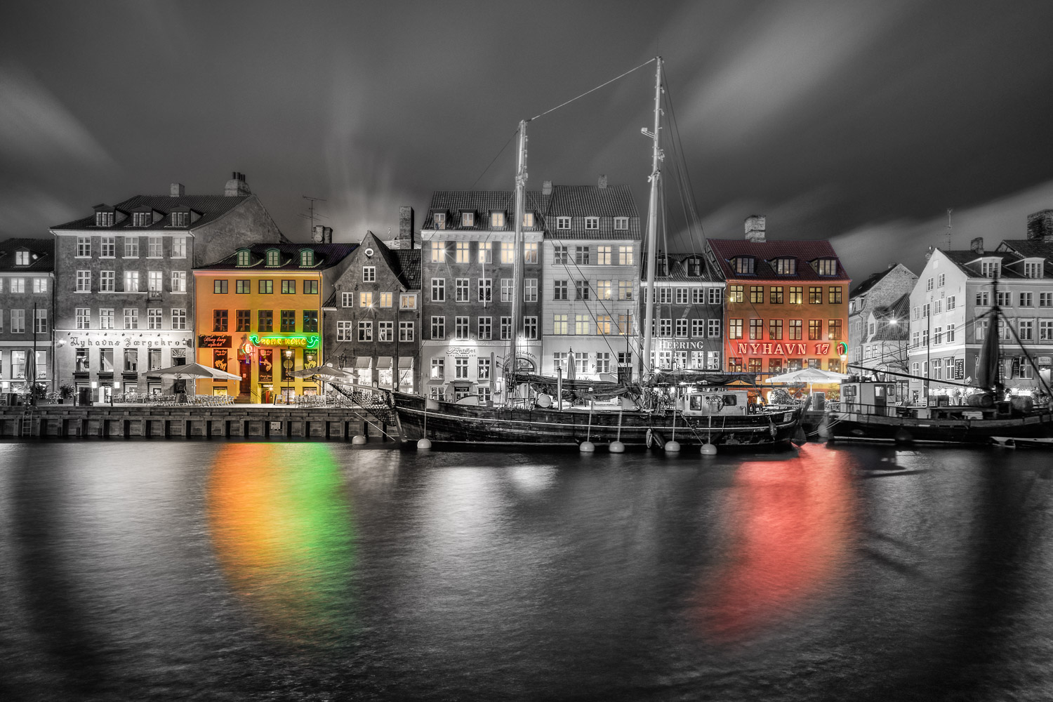 row of houses in Copenhagen - Learn How to Use the Strength of Selective Color