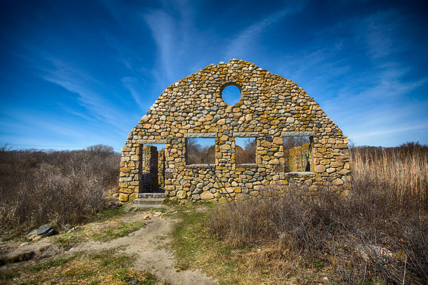 building ruins - Using HDR Photography to Your Advantage