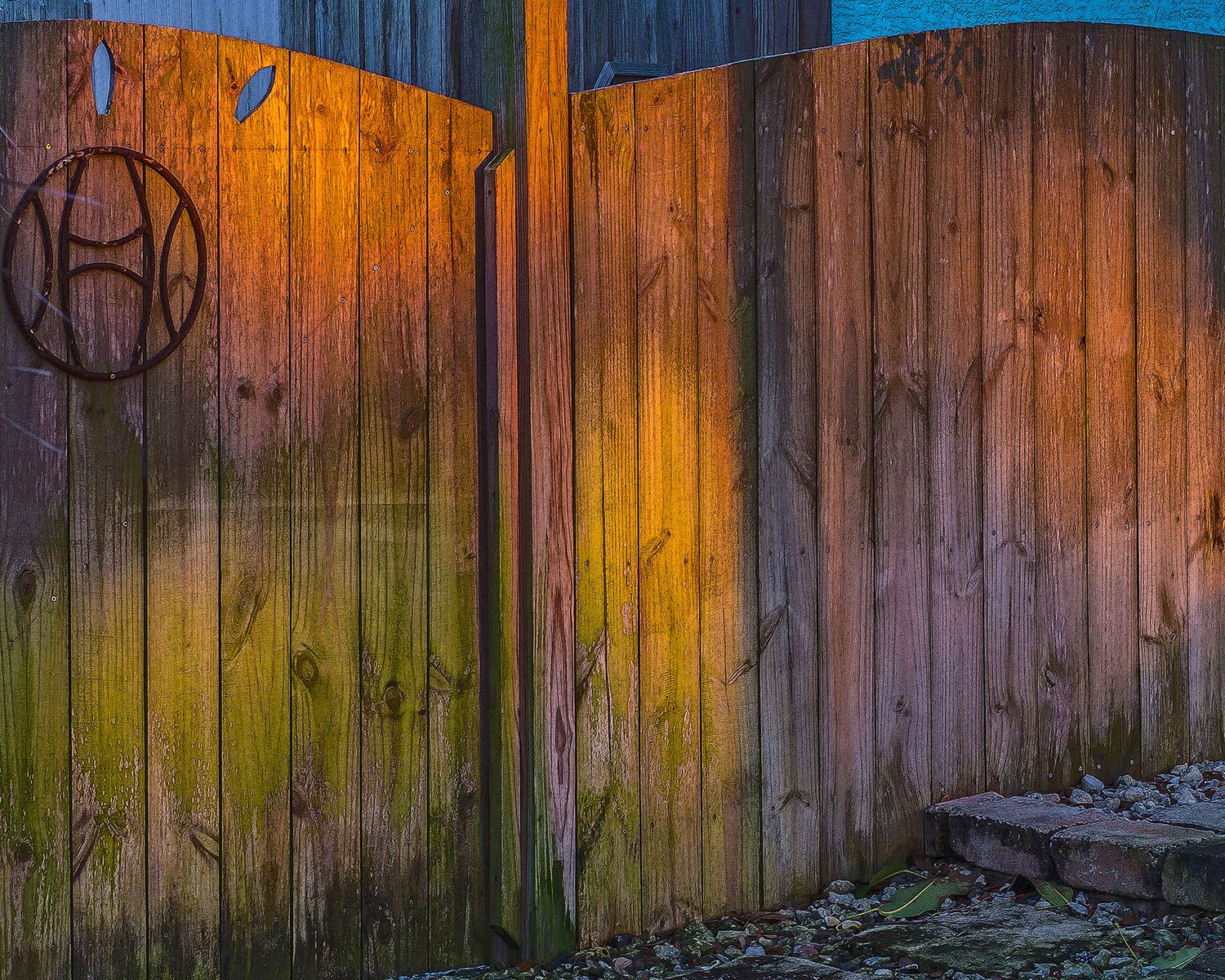 White Balance Sunset Fence - How Color Balance Can Kill Your Color