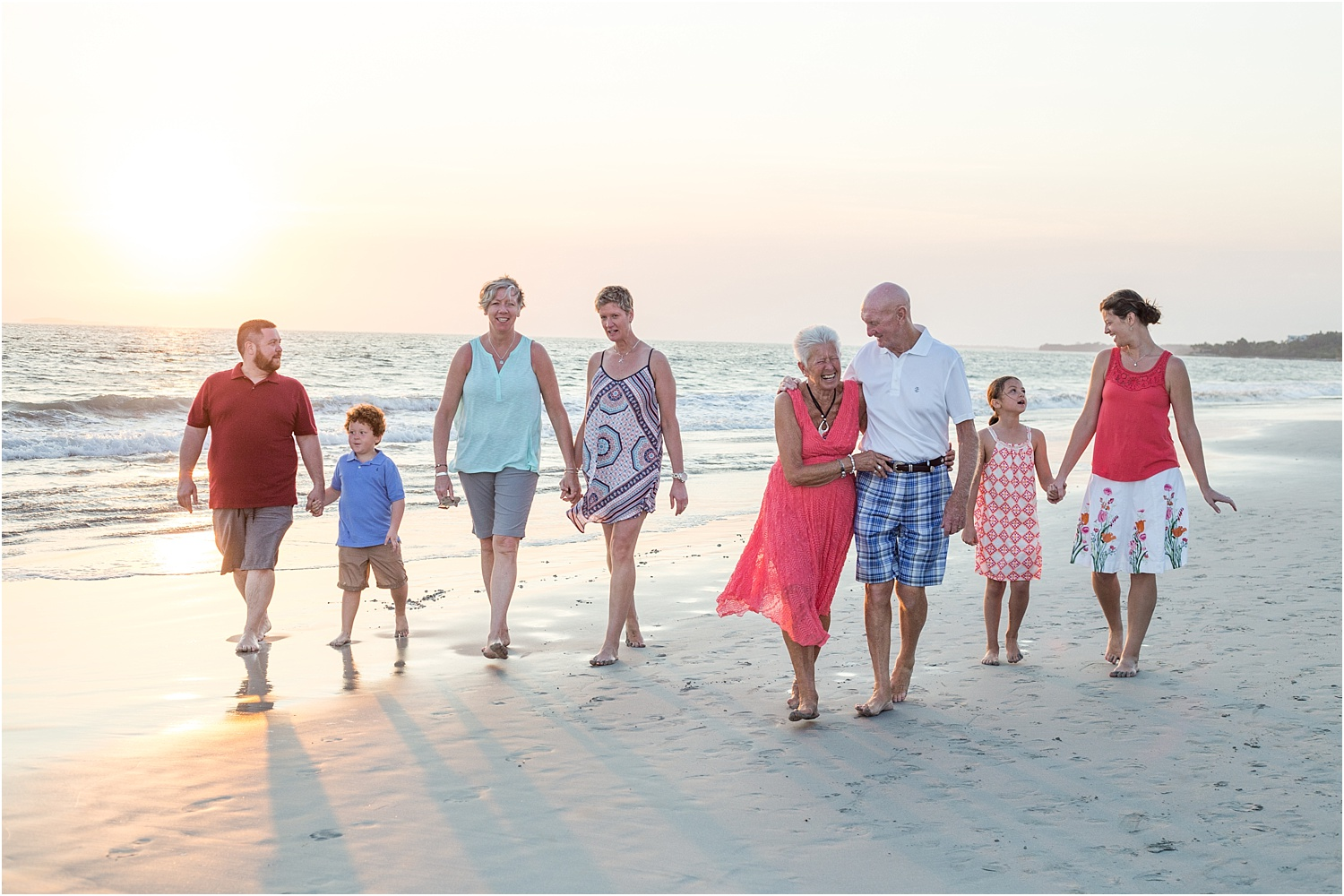 Tips for Posing Large Families and Groups - extended family on the beach