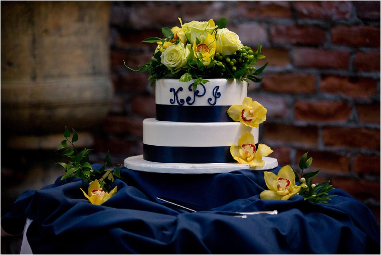 wedding day photography - wedding cake