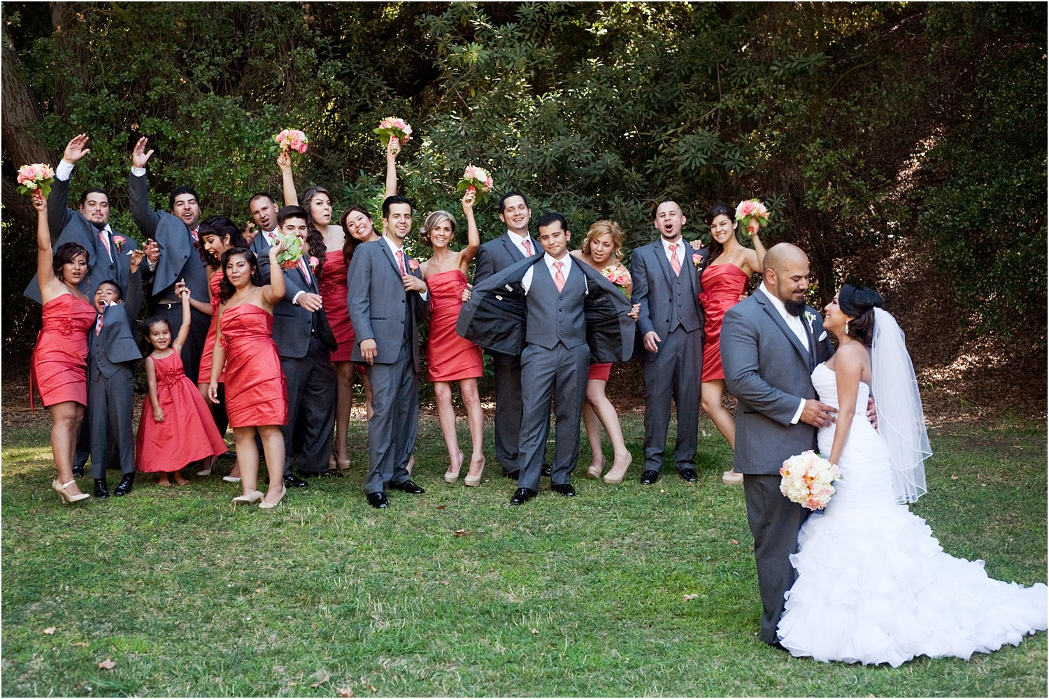 How to photograph family and bridal party portraits quickly at weddings 21