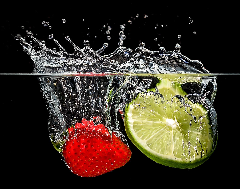 7- Splash photos with high speed without flash - Rick Ohnsman