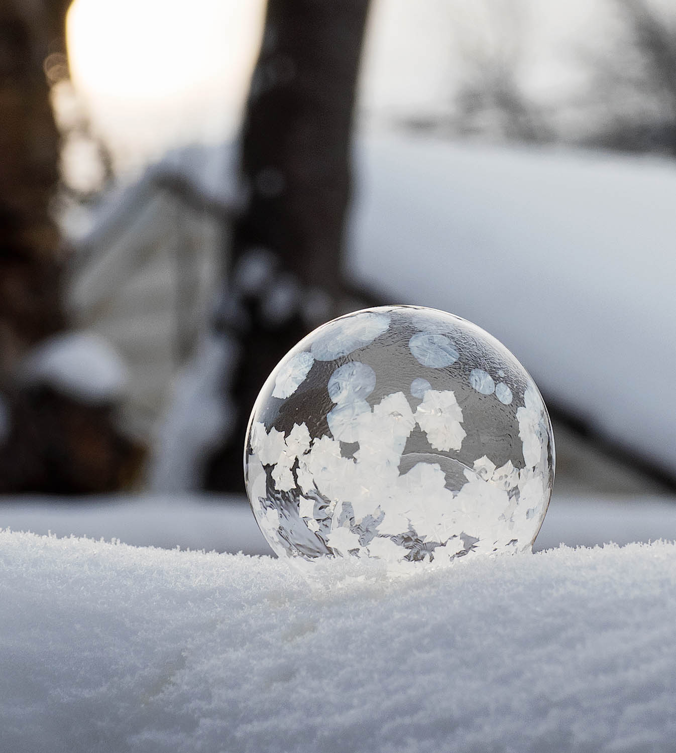Image: So cold we can freeze bubbles before they pop