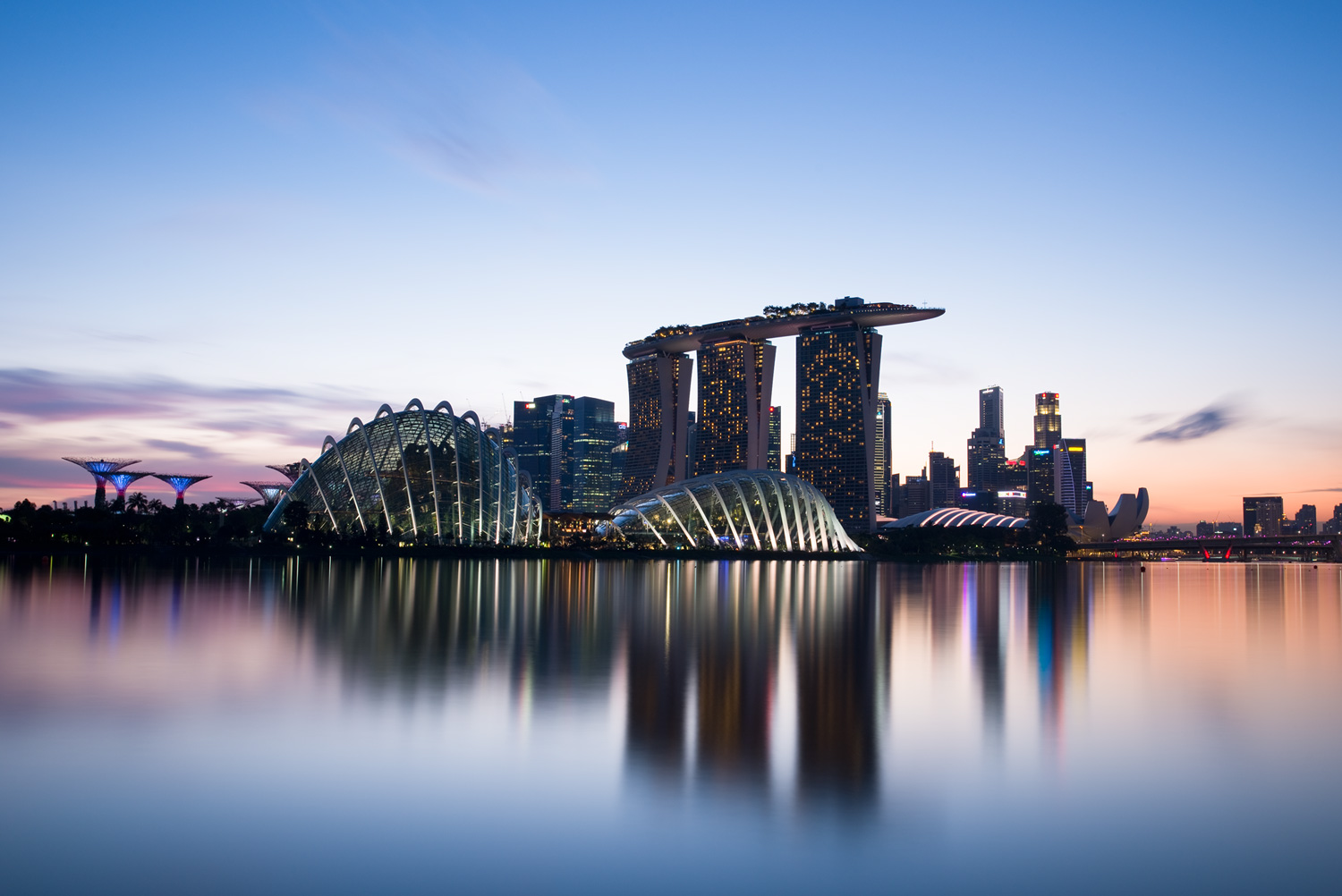 Image: Marina Bay (Singapore) (35mm, f/11, 194 seconds, ISO100).