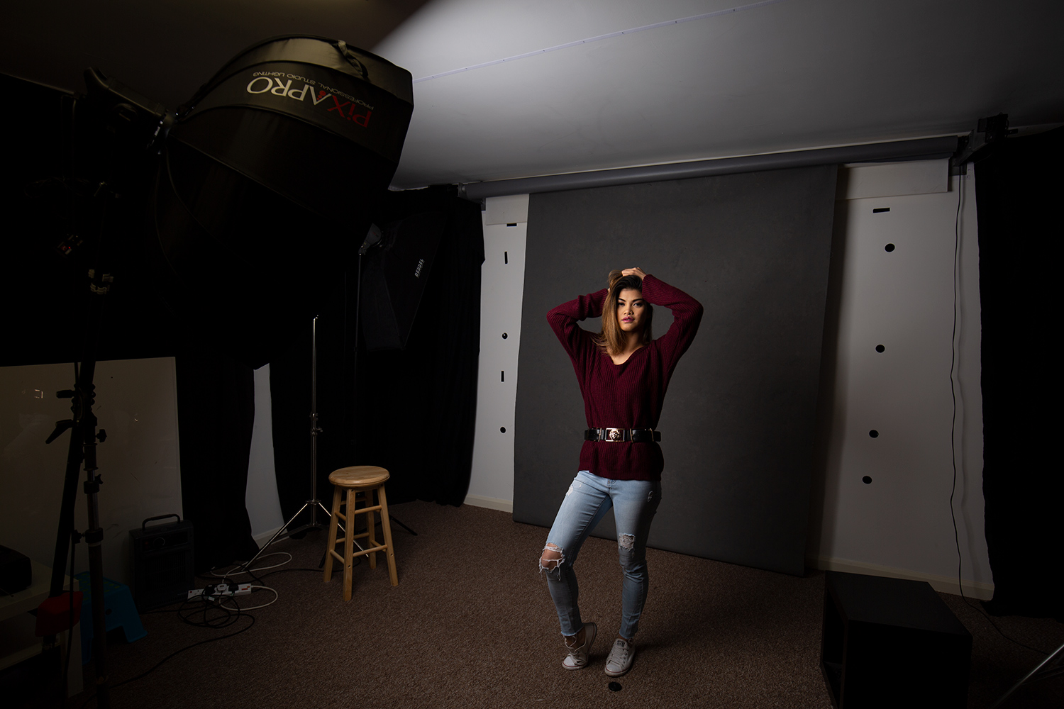 Image: Here, a softbox is placed at 45 degrees to the subject.