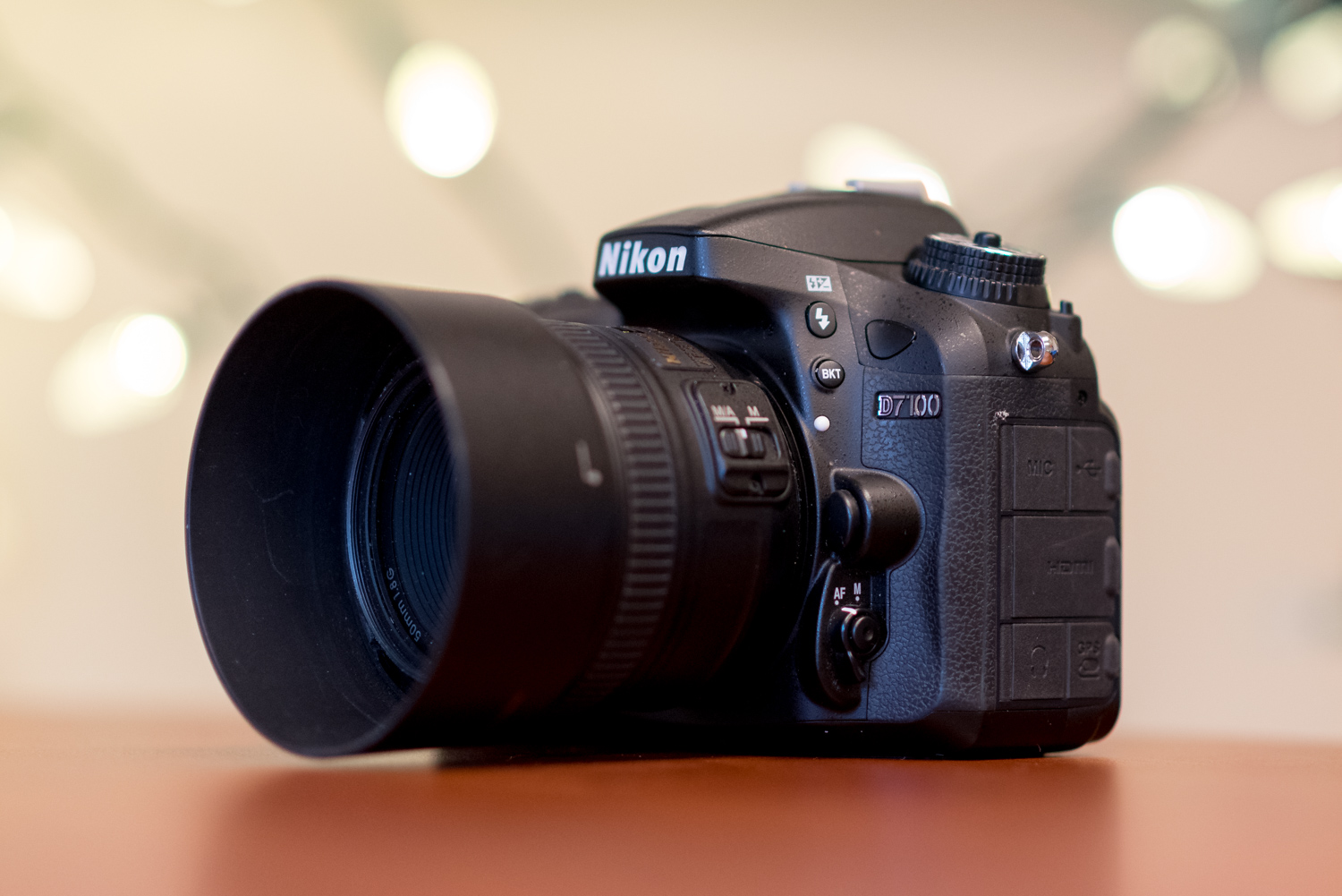 https://i1.wp.com/digital-photography-school.com/wp-content/uploads/2019/12/dslrs-arent-dead-nikon-d7100-table.jpg?resize=1500%2C1001&ssl=1