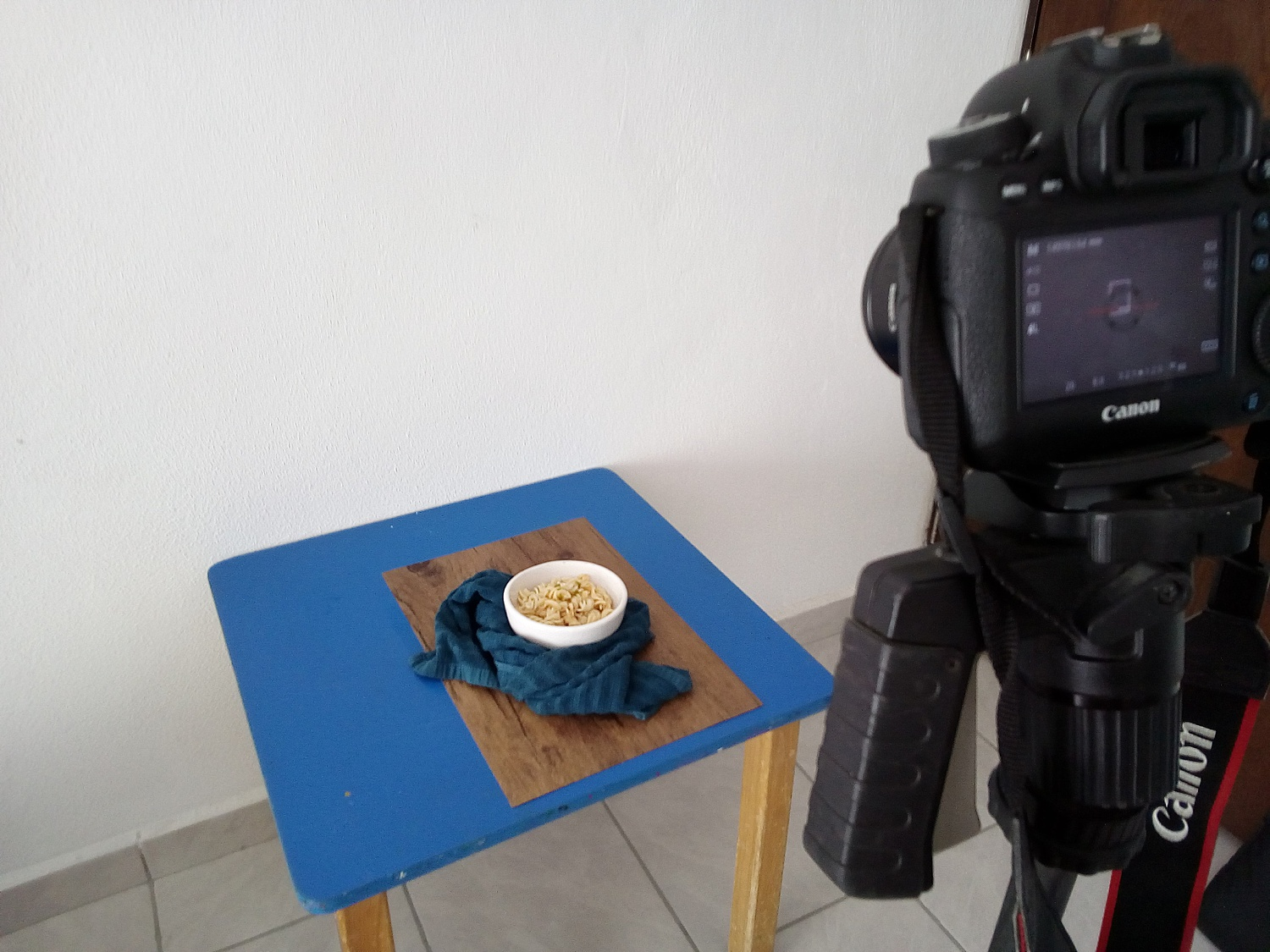 How to Create a Budget Tabletop Photography Setup for Shooting Food and Products