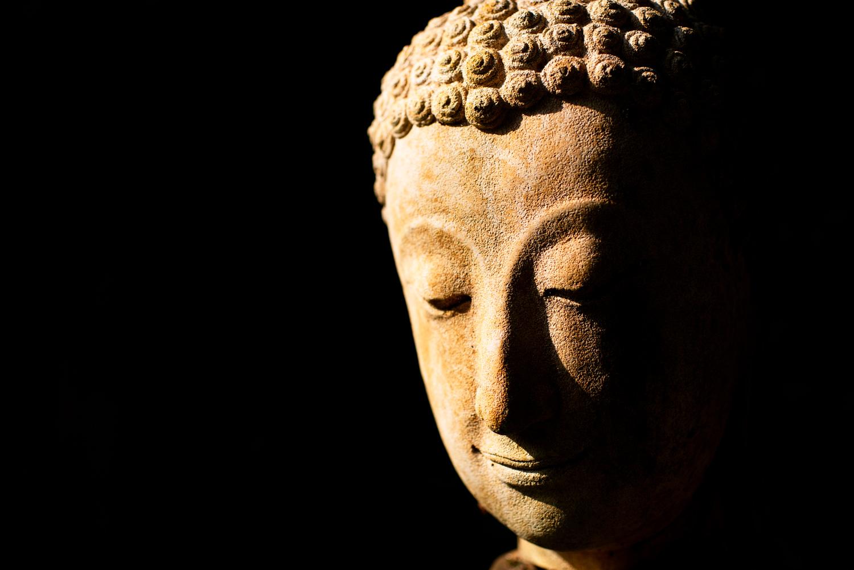 Estátua de Buda para mostrar suas fotos