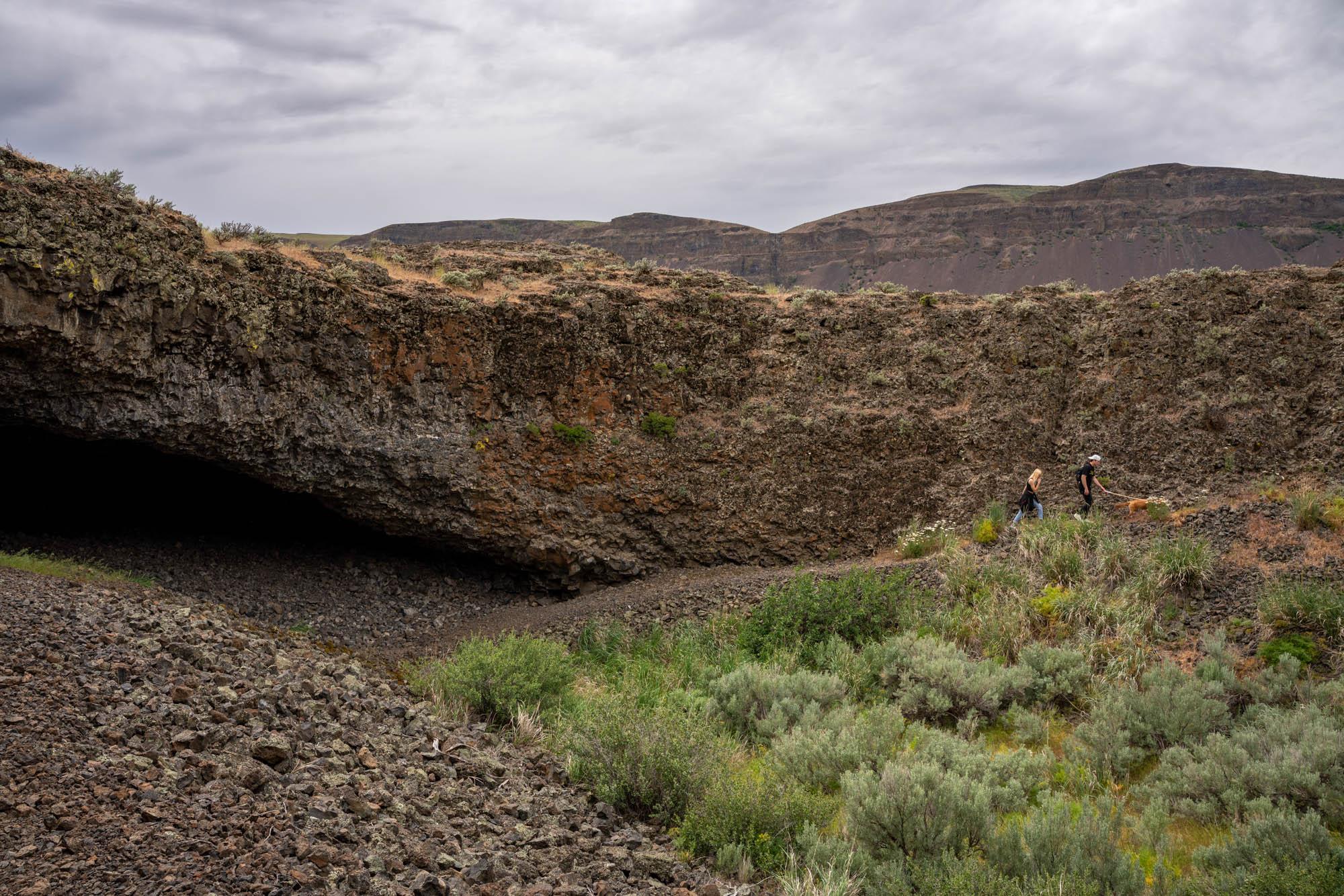 Sigma 24-70mm at Lake Lenore Caves, Washington
