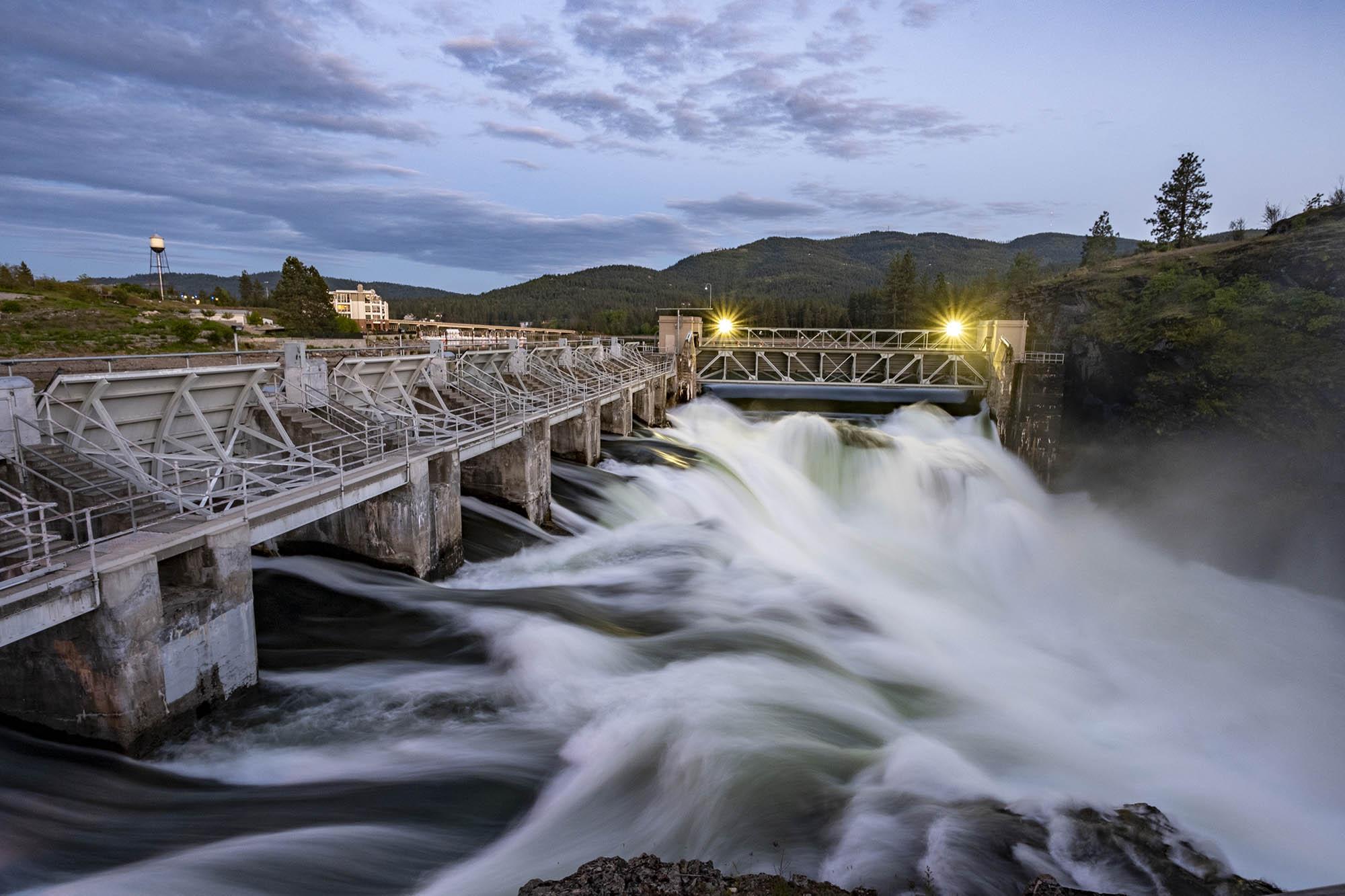 Waterfall tripod photo