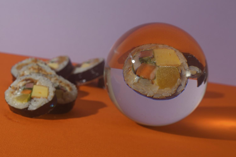 sushi em uma lensball