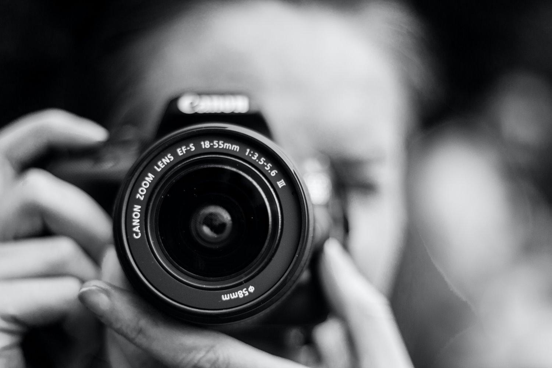 amateur-vs-professional-photographer-1-1