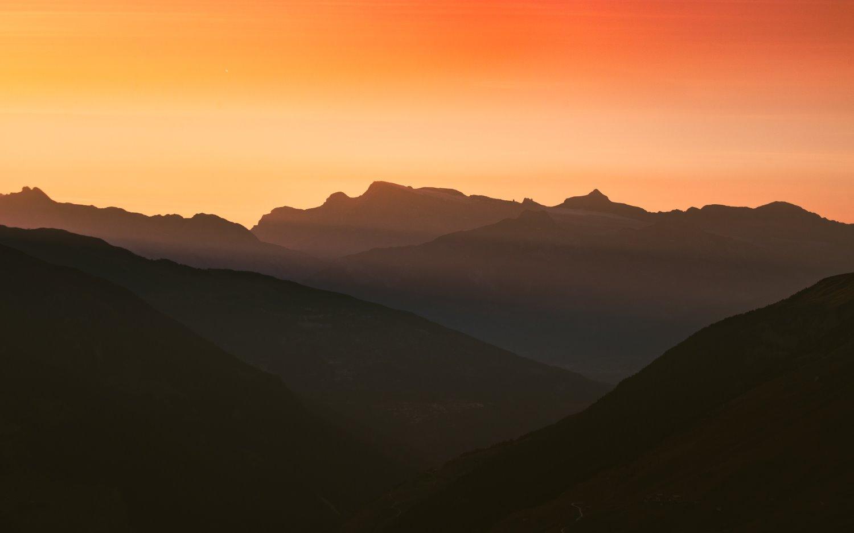 sobreposição de montanhas teleobjetivas