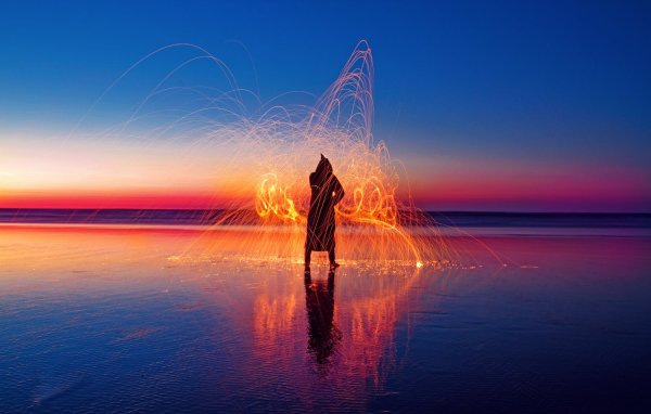 28 Spectacular Light Painting Images (Guaranteed to Inspire You!)