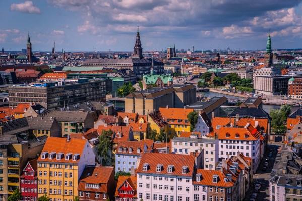 25 Stunning Photos of City Skylines