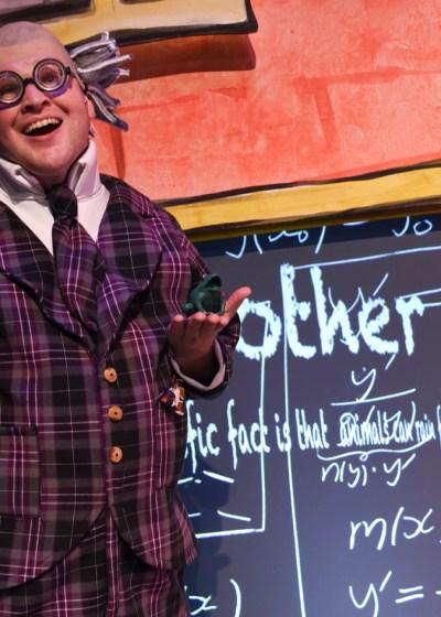 Kieran McGrath as Mr Boggle in Horrible Harriet (Photo Heidrun Lohr)