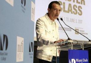 Antonio Banderas: «Es importante relacionar la moda con el altruismo»