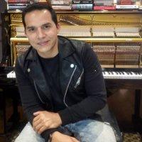 Zuliano Rocky Vera celebra 20 años de carrera artística
