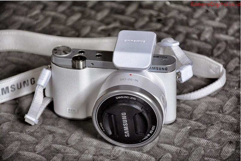 kamera vlog untuk youtuber - Samsung NX3000 - 7 Kamera Vlog untuk Youtuber Pemula Terbaik dan Murah Tahun Ini