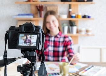 transaksi terakhir telkomsel - blogger blog female woman art online artist internet girl home business lifestyle technology hobby t20 drB613 - Cara Mengecek Transaksi Terakhir dari Kartu Telkomsel