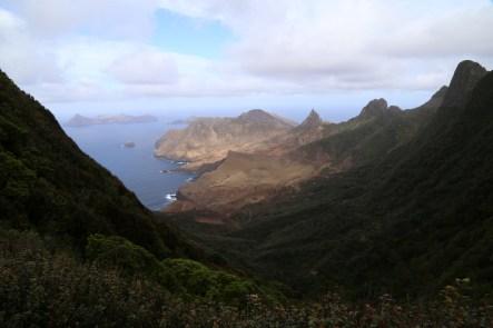 Hiking to the top. Robinson Caruso Island.