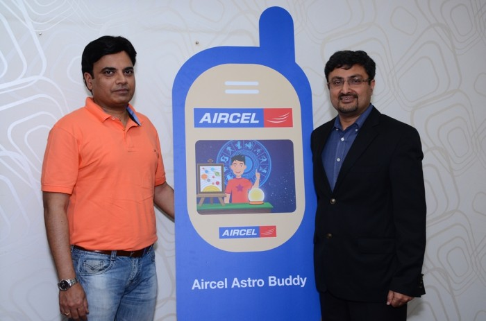 Astro Buddy Bhupesh Sharma and Anupam Vasudev, Chief Marketing Officer, Aircel launches Astro services on video (Left to Right)