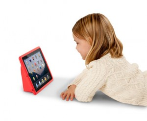 kids-using-ipad