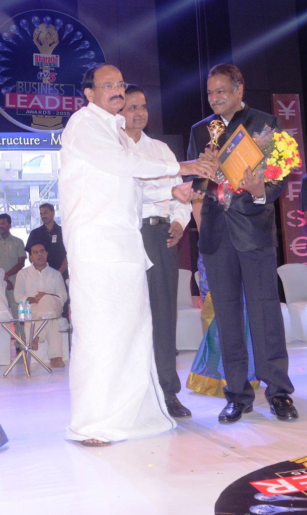 Mr. DVS Raju Chairman & Managing Director Gangavaram Port Limited  receiving the TV 5 Business Leader Award from  Sri M Venkaiah Naidu Hon'ble Union Minister of Urban Development  and Parliamentary Affairs1