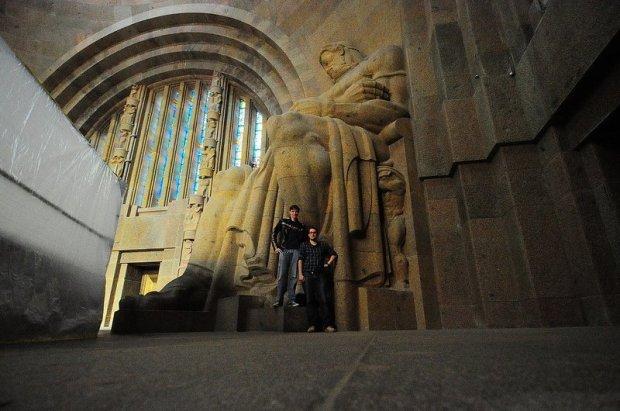 statue inside the völkerschlachtdenkmal