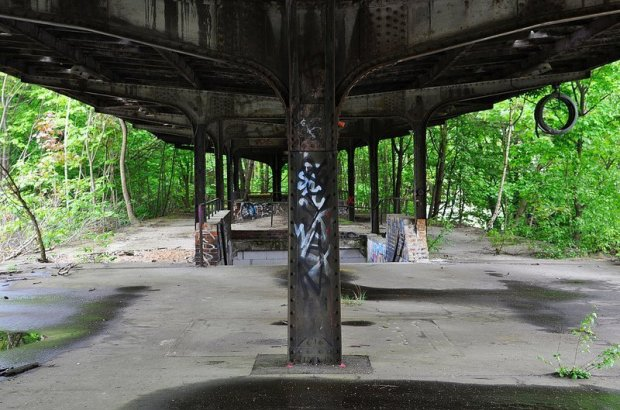 abandoned sbahn platform
